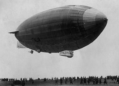 Fotografie vzducholodi Italia z roku 1925 d7eb0b90ca7