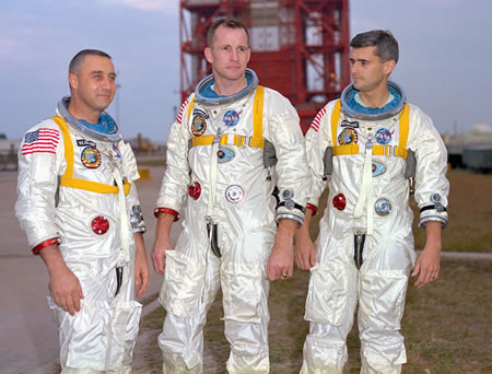 Posádka Appolo 1 - astronauti Virgil Ivan Grissom, Edward Higgins White a Roger Bruce Chaffee